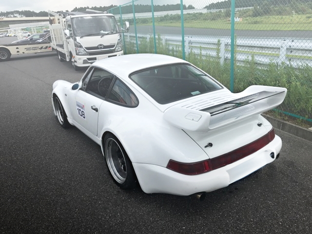 REAR EXTERIOR TYPE-964 PORSCHE 911 CARRERA-2