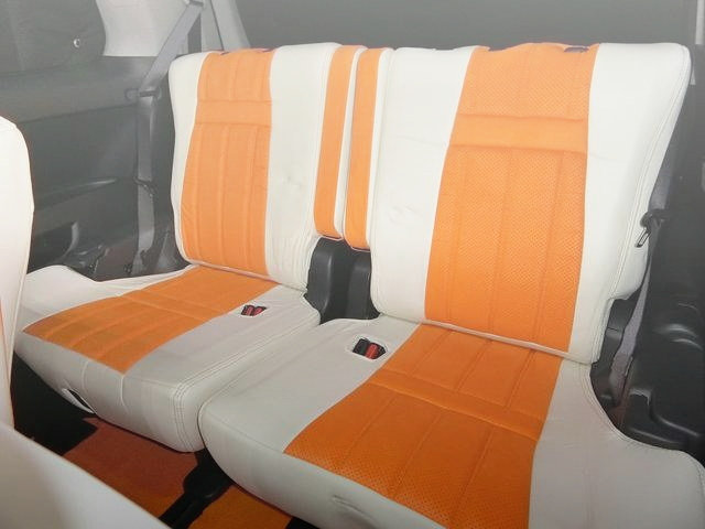 INTERIOR REAR CUSTOM SEAT