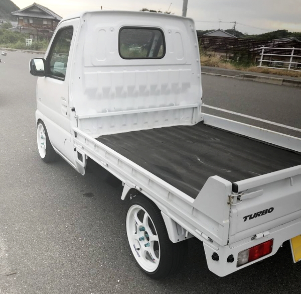 EXTERIOR REAR-SIDE DA62T CARRY TRUCK