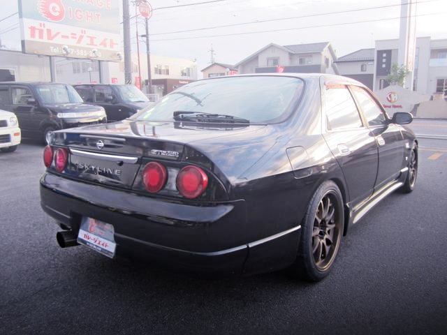 REAR EXTERIOR ECR33 SKYLINE 4-DOOR