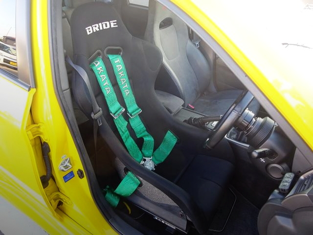 DRIVER BRIDE FULL BUCKET SEAT