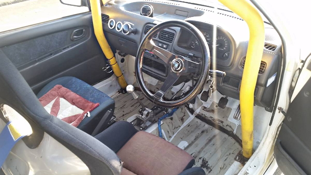 INTERIOR DASHBOARD AND ROLLBAR