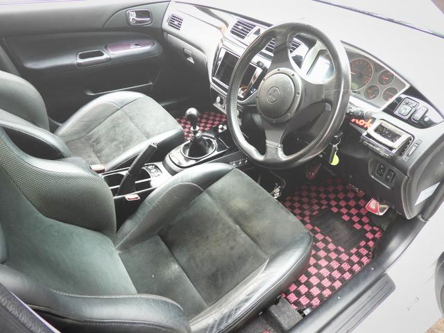 INTERIOR LANCER EVOLUTION WAGON