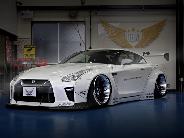FRONT EXTERIOR R35 NISSAN GT-R LB-WORKS WIDEBODY