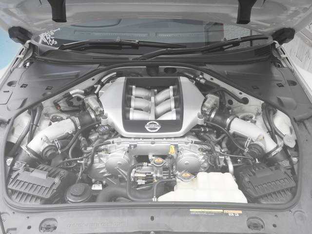 VR38DETT TWIN TURBO ENGINE