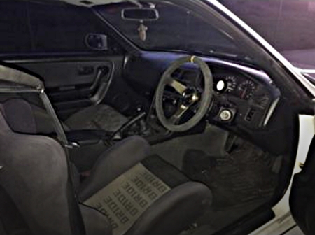 INTERIOR OF R33 SKYLINE 2-DOOR
