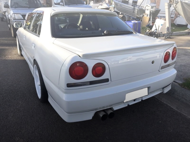 REAR EXTERIOR R34 SKYLINE 4-DOOR SEDAN