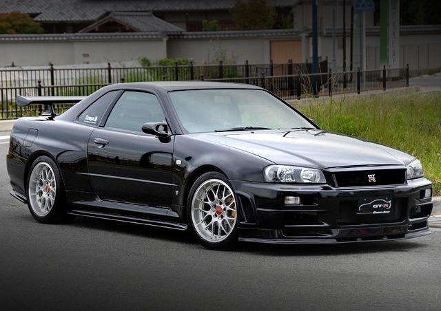 FRONT EXTERIOR R34 SKYLINE GT-R 500HP