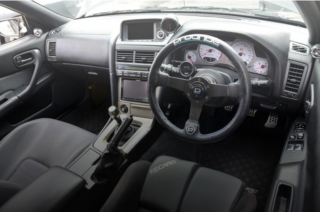 INTERIOR DASHBOARD R34 GT-R