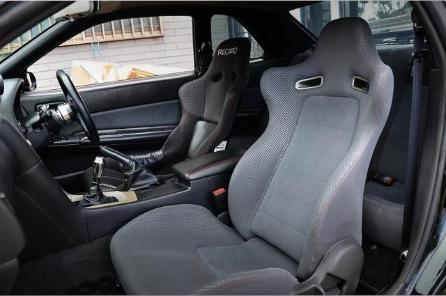 INTERIOR FRONT SEAT