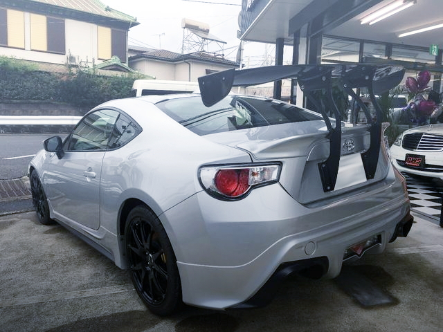 REAR EXTERIOR TOYOTA86 RC