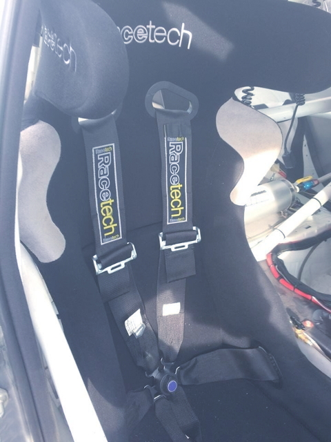 RACETECH BUCKET SEAT AND BELT