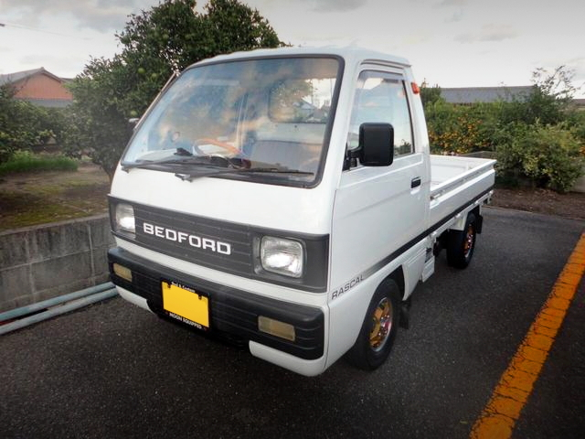 FRONT EXTERIOR BEDFORD RASCAL SUZUKI CURRY