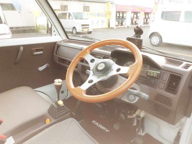 INTERIOR SUZUKI CARRY TRUCK