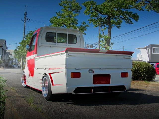 REAR EXTERIOR HELLO SPECIAL CARRY TRUCK
