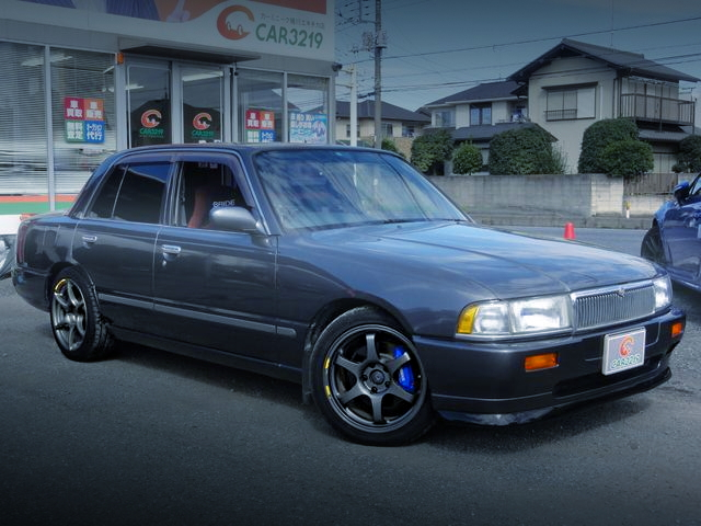FRONT EXTERIOR K30 NISSAN CREW LX-SALOON