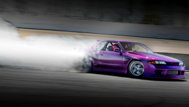 DRIFTING R32 SKYLINE 2-DOOR GTS-T