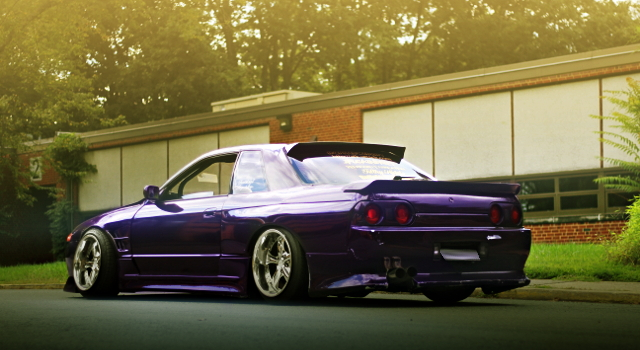 REAR EXTERIOR R32 SKYLINE 2-DOOR GTS-T PURPUR COLOR