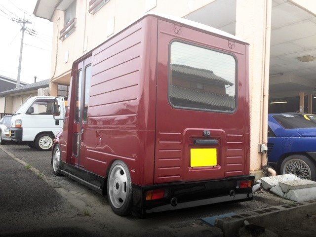 REAR EXTERIOR L200W MIRA WALK THROUGH VAN