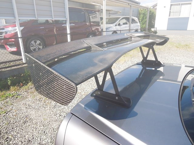 CARBON GT-WING FROM R34 SKYLINE 4-DOOR