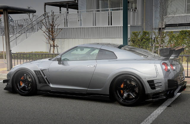 REAR EXTERIOR TOP-SECRET WIDEBODY R35 GT-R