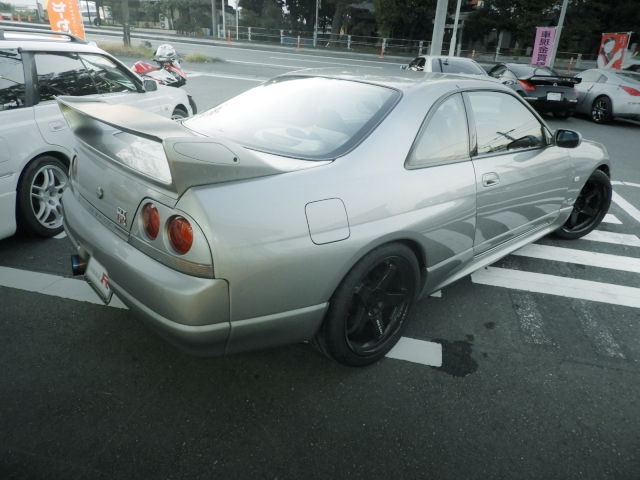 REAR EXTERIOR R33 SKYLINE GT-R V-SPEC