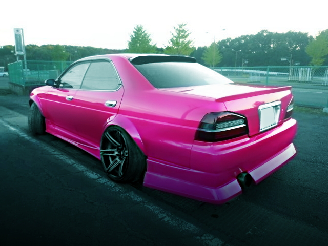 REAR EXTERIOR PINK COLORING C35 LAUREL
