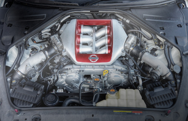 VR38DETT TWINTURBO ENGINE