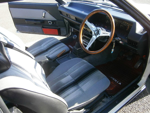 INTERIOR AE70 COROLLA 2-DOOR