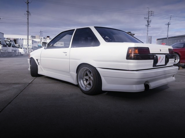 REAR EXTERIOR AE86 LEVIN 2-DOOR WHITE