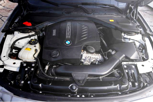 BMW 435i ENGINE ROOM