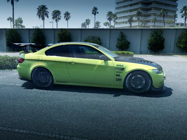 SIDE EXTERIOR E92 BMW M3 COUPE