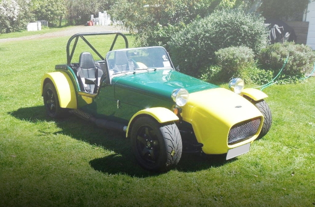FRONT EXTERIOR LOTUS KIT CAR