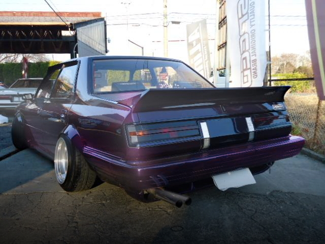 REAR EXTERIOR PURPLE COLOR GX61 CRESTA