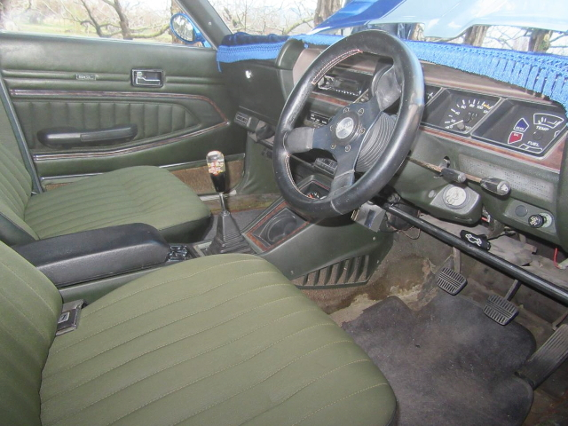 INTERIOR HC130 LAUREL 4-DOOR