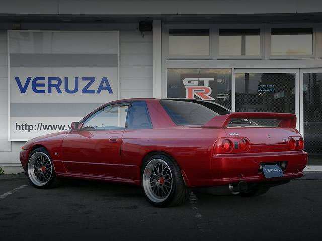 REAR EXTERIOR WINE-RED R32 SKYLINE GT-R