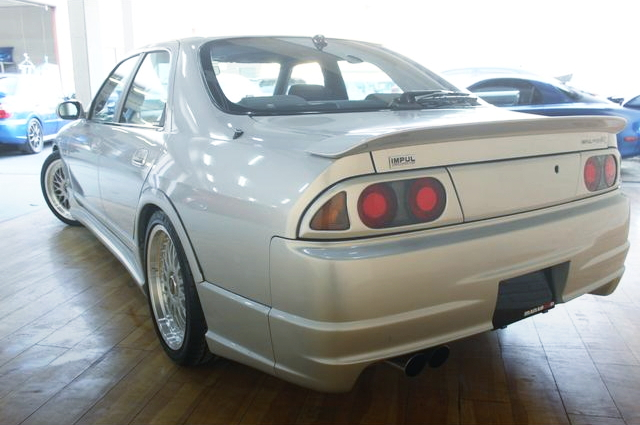 REAR EXTERIOR IMPUL R33-R 4-DOOR SEDAN