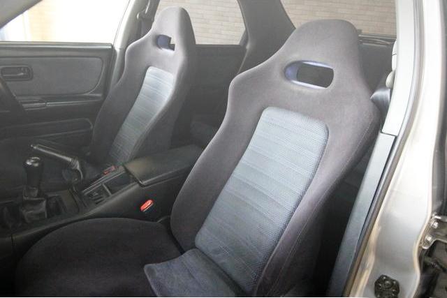 FRONT SEATS R33 4-DOOR GT-R AUTECH