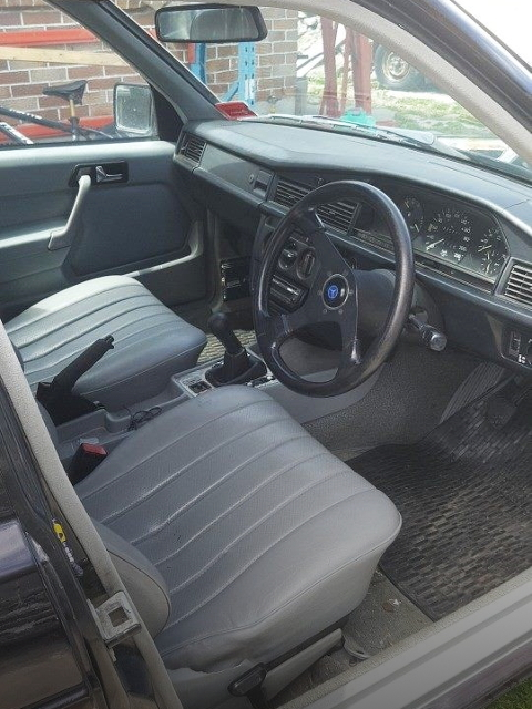 INTERIOR STEERING 5-SPEED SHIFT