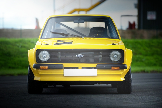 FRONT FACE FROM FORD ESCORT MK2