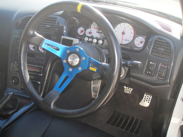 INTERIOR STEERING OF R33GTR