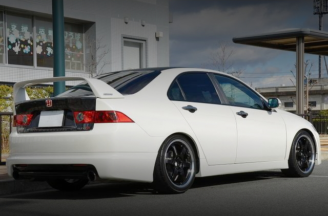 REAR EXTERIOR CL7 ACCORD EURO-R