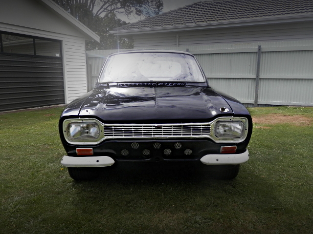 FRONT FACE FORD ESCORT MK1