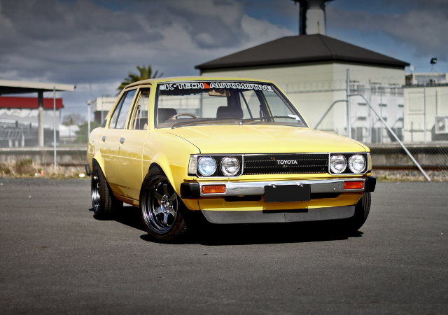 FRONT EXTERIOR KE70 COROLLA 4-DOOR YELLOW
