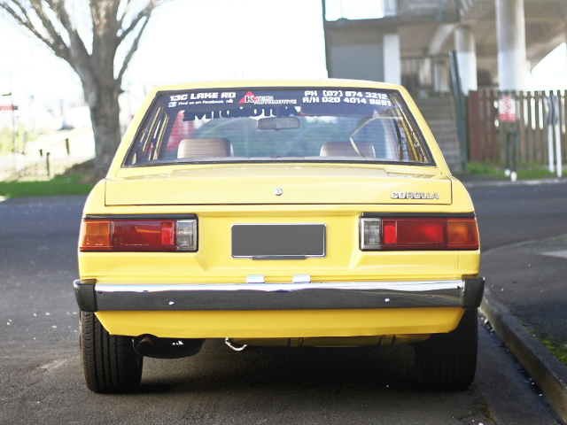 BACK EXTERIOR KE70 COROLLA 4-DOOR YELLOW