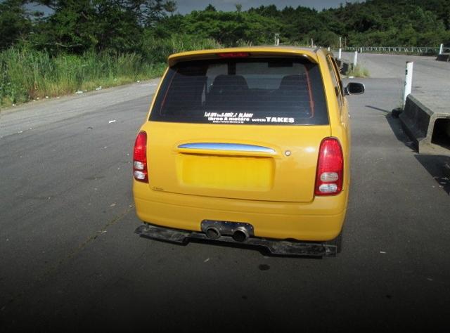 BACK EXTERIOR L700V MIRA VAN