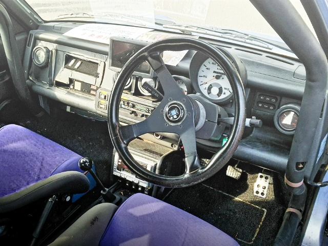 INTERIOR NISSAN BE-1