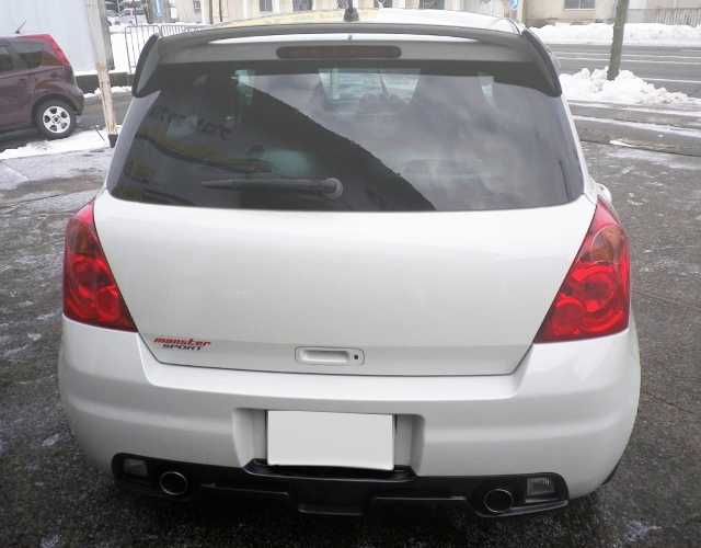 BACK EXTERIOR ZC31S SWIFT SPORT WHITE