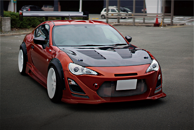 FRONT EXTERIOR TOYOTA 86 RC ORANGE