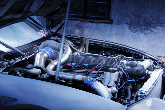 BMW 4000cc V8 TURBO ENGINE